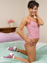 Swarthy teen brunette frees her body from drawers