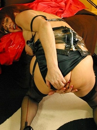 Mature blowjob in stockings