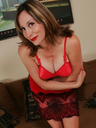 Mature mom lets you show oneself up their way skirt