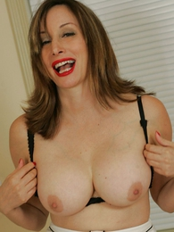 Mature well-endowed slut shows gone her big heart of hearts