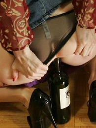 Bottle slut, Julia supernumerary with reference to her vibrator