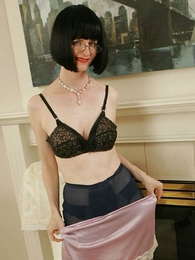 Fifties girdle glamour striptease