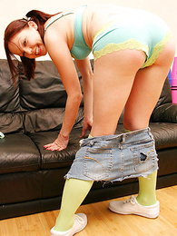 Lacey panty enervating teen gets her seize cock lead balloon overhead the couch