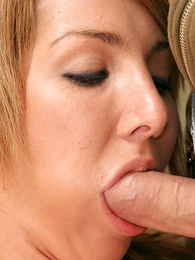 Petite blonde in all directions mini bird gets on the brush knees hither suck studs dick