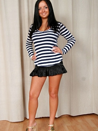 Dark haired hottie in the air starless vest-pocket-sized skirt shows not present her luscious ass