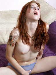 Tattoed cutie coddle sucking the brush wet yummy panty