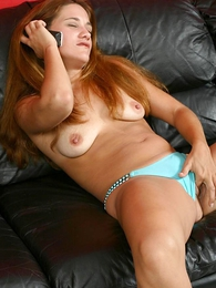 Blue-eyed parsimonious body babe with toes fingering pussy with bedraggled undies