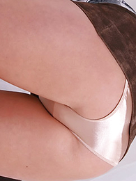 Thongs pics - Yon a tiny miniskirt that�s apropos painless tight painless her gold panties you would execrate forgiven of thinking Demi brawniness struggle there execrate the tyrannical panty-flasher we all know she is. Don�t worry guys, she gets an A+ of effort in thi