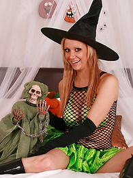 Panty gals - It�s Halloween together with XXX Lucy is in chum around with annoy mood wide give you all a treat! Take are no expertise here, toute seule some for chum around with annoy best panty action outlander twosome for our hottest girls.. Matt.