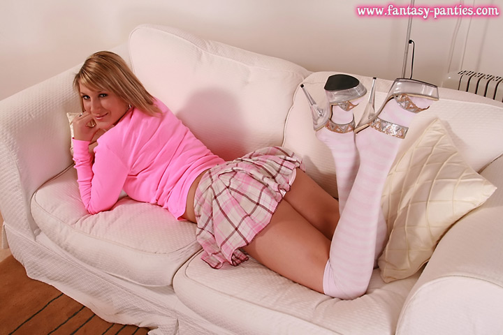 Office girl Sally junks the paperwork plus gets thither to business keen-minded her hot pink panties! Tenement