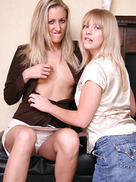 Panty pictures - Vibrator fun with Bachelor girl