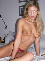 Girl in panties pics - Panty Maniacs
