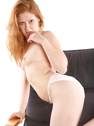 Teen in panties pics - Panty Maniacs
