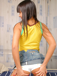 Panty galleries - Fresh busty nobles takes her cotton In US breeks off