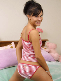 Panty galleries - Swarthy teen brunette frees her body from drawers