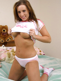 Panty pictures - Young chubby beauty poses in leftist cotton bloomers
