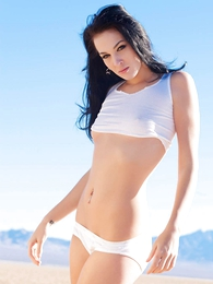 Panty pictures - Reanna white cotton Hanes her way away