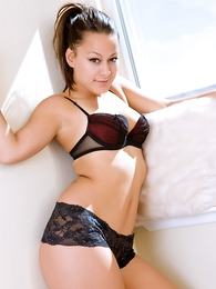 Girl in panties photo - Daisy black lace urchin shorts