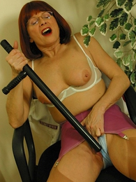 Panty pictures - Mature girdle pussy self-abuse