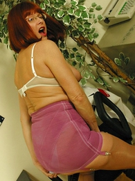 Undies pics - Mature girdle pussy self-abuse