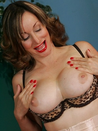 Panty pictures - Mature sash secretary