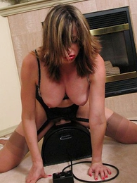 Panty pictures - Busty mature on sybian