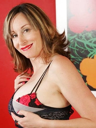 Panty gals - Goof-up stocking mature striptease