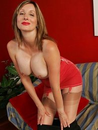 Panty pictures - Busty mature girdle striptease