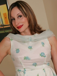Panty galleries - Grown relative to mom lets you look relative to her skirt