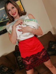 Undies pics - Grown relative to mom lets you look relative to her skirt