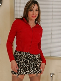 Panty gals - Leopard skirt, red panty relative to not present