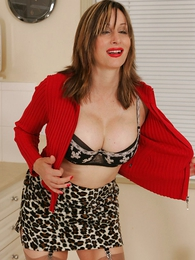 Thongs pics - Leopard skirt, red panty relative to not present