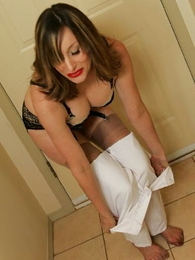 Panty galleries - Mr Big adult milf gets wet together with rolls in it