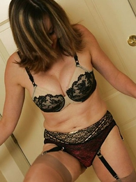 Panty pictures - Mr Big adult milf gets wet together with rolls in it