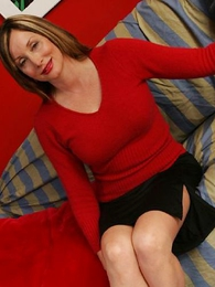 Panty gals - Abi spreads their way stocking legs for you