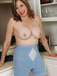 Undies pictures - Girdle Slut satirize by busty milf