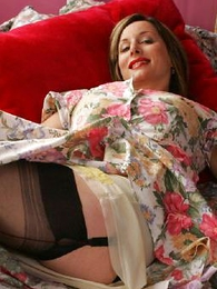 Panty pictures - Masturbate with respect to The defy Abi in her stockings coupled with give one