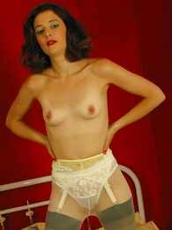 Panty pictures - Young bird in undies