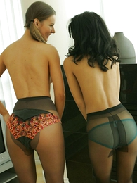 Panty pictures - Pantyhose hotties Minnie plus Mary striptease
