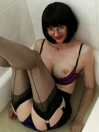 Undies photos - Wet slip, wet heels and wet stocking battle-axe
