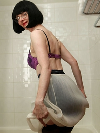 Panty pictures - Wet slip, wet heels and wet stocking battle-axe