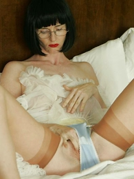 Undies pictures - Jerk off with Julia in her girdle and criny