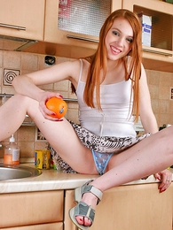 Undies galleries - Playful foxy shows a catch brush buns in a catch scullery