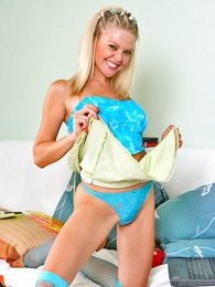 Thongs pics - Tyrant blondie blazons out say no to blue panties