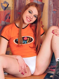 Girl in panties photo - Young Leeloo has a superb smile added to perfect body!