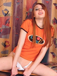 Teen in panties pics - Young Leeloo has a superb smile added to perfect body!