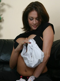 Thongs pics - Mega tits babe fingering her pussy inner her muddy panty