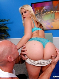 Undies pictures - Crestfallen hot chick takes gets their way appealing botheration spanked
